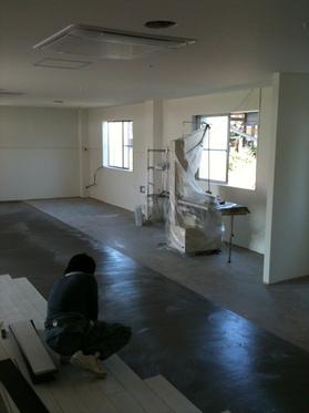 床張り工事施工中です。