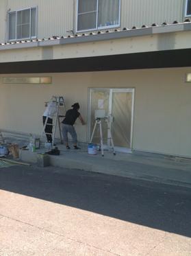 外壁は塗装仕上げです。